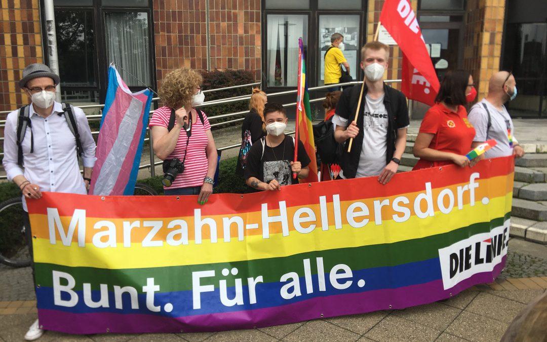 #MarzahnLiebt – Der Marzahn Pride zieht durch seinen Bezirk.