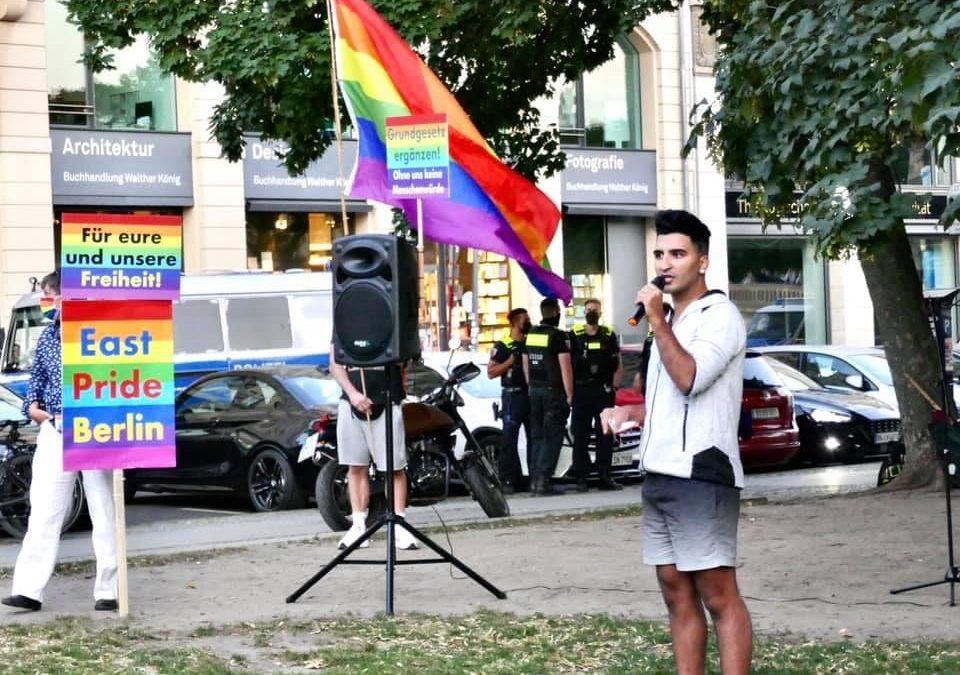 Andacht und Protestkundgebung anlässlich queerfeindlicher Gewalt